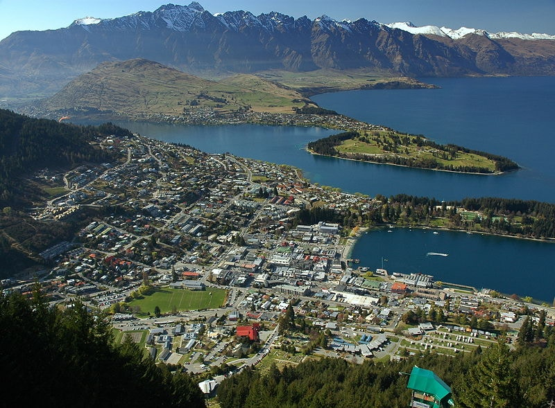 Queenstown: hike up the Remarkables to avoid smelly towel