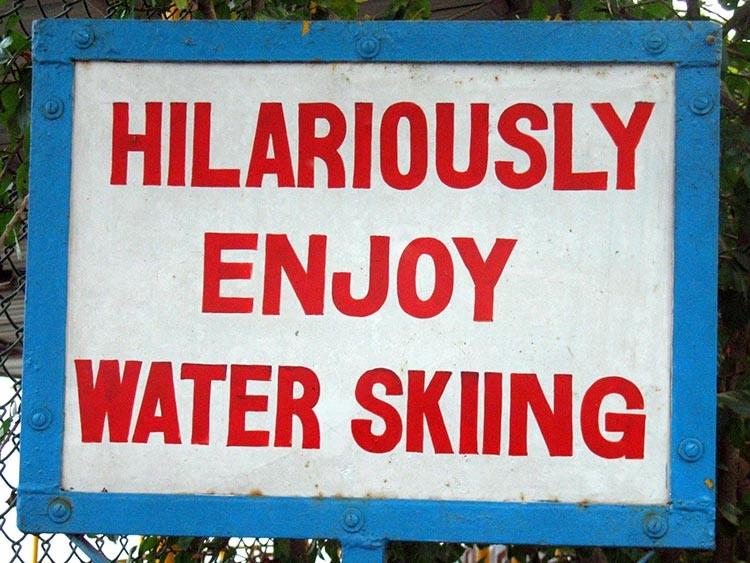 Hilariously-enjoy-waterskiing