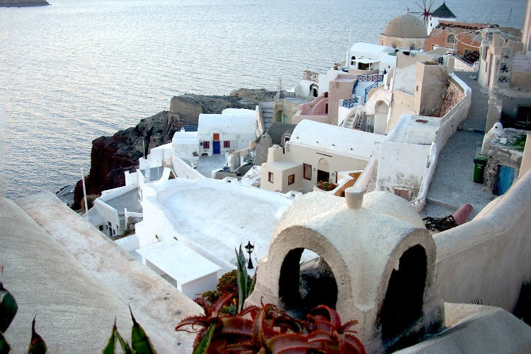 Oia, Santorini. Image by Lonely Planet