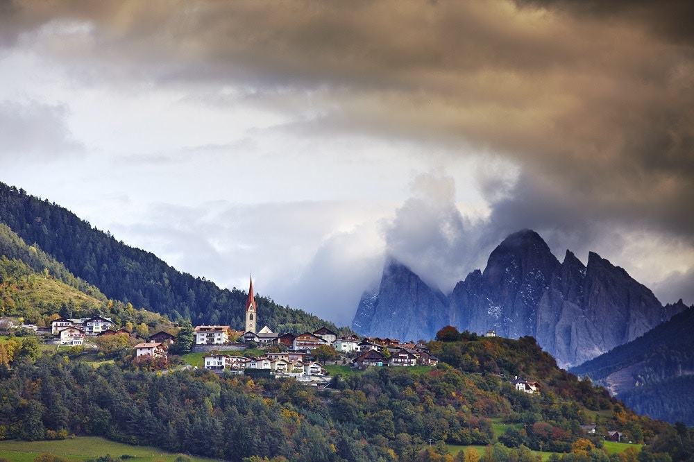 LP South Tyrol ITALY Torggelon Feature- the Keschtneg the walking trail of south Tyrol. Autumn leaves and geberal scenery along the walk.