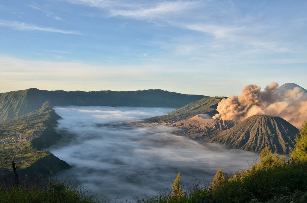 Sunrise over Mt bromo volcano, indonesia - andywrightflikr