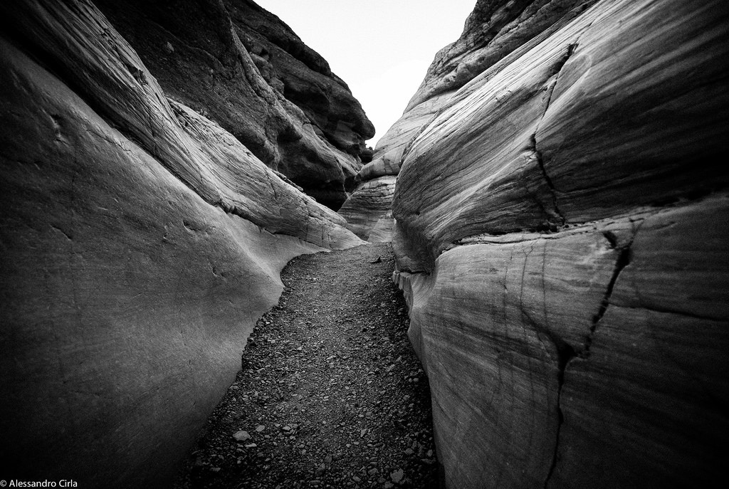 Smooth, water-polished marble in Mosaic Canyon - Al.Ci.