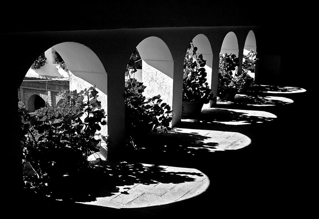 Ten windows (five real, five reflections) - gornabanja