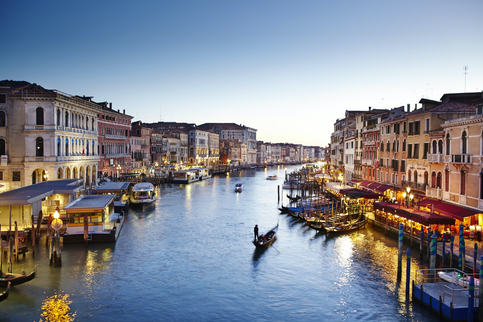 Venice's Grand Canal as seen from the 426-year-old Rialto Bridge © Matt Munro
