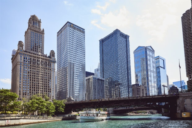 Chicago's epic skyline in the sunshine © Aubrie Pick / Lonely Planet