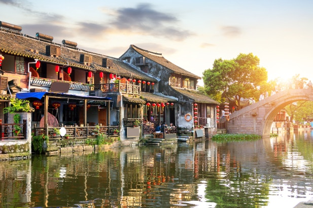 A shot of houses along the waterfront of the beautiful town of Xitang