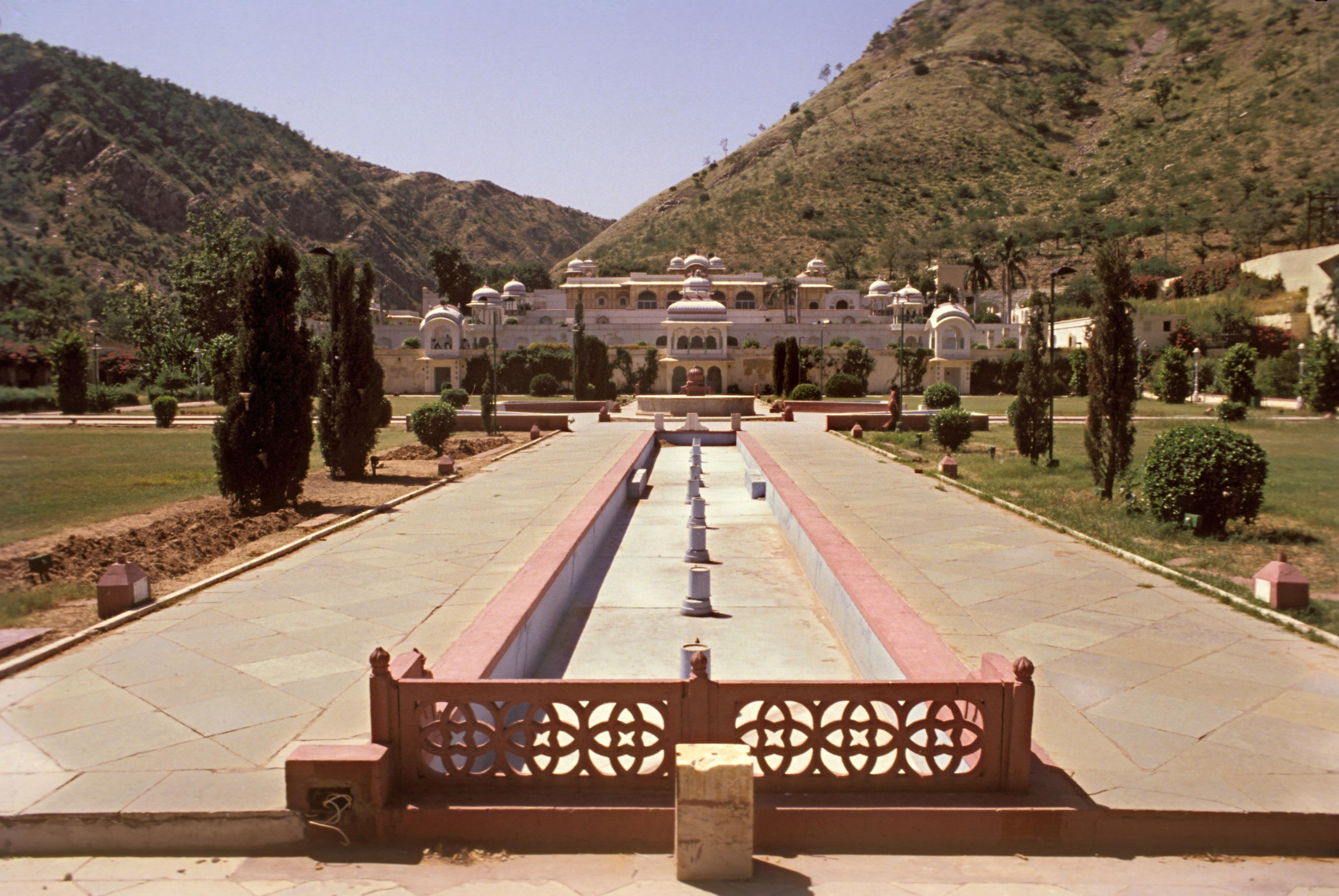 Image result for Sisodia Rani Ka Bagh jaipur