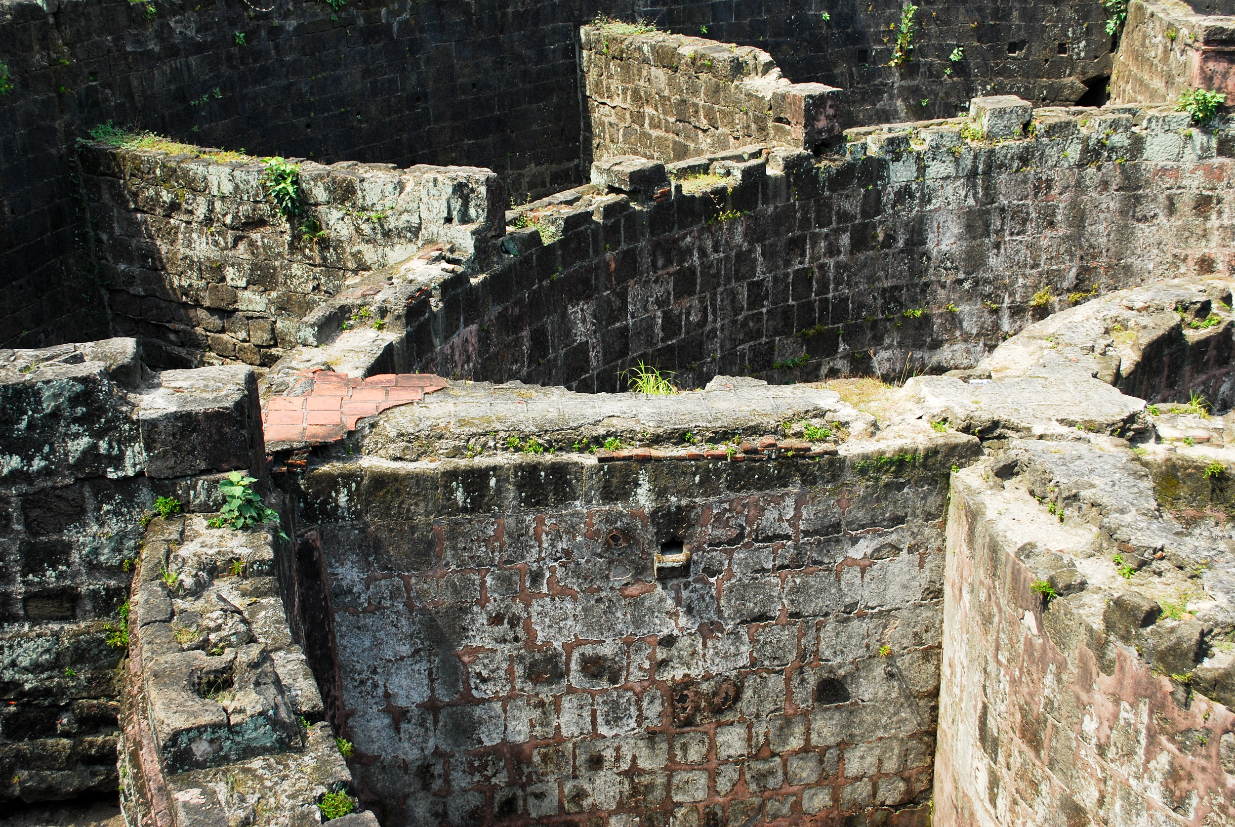 Rental Car Philippines >> Fort Santiago - Lonely Planet