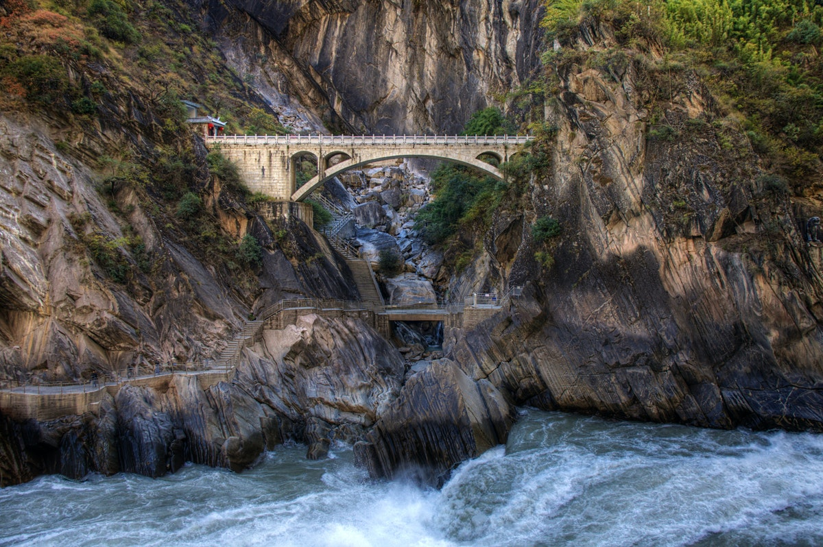 tiger leaping gorge travel yunnan china lonely planet. Black Bedroom Furniture Sets. Home Design Ideas