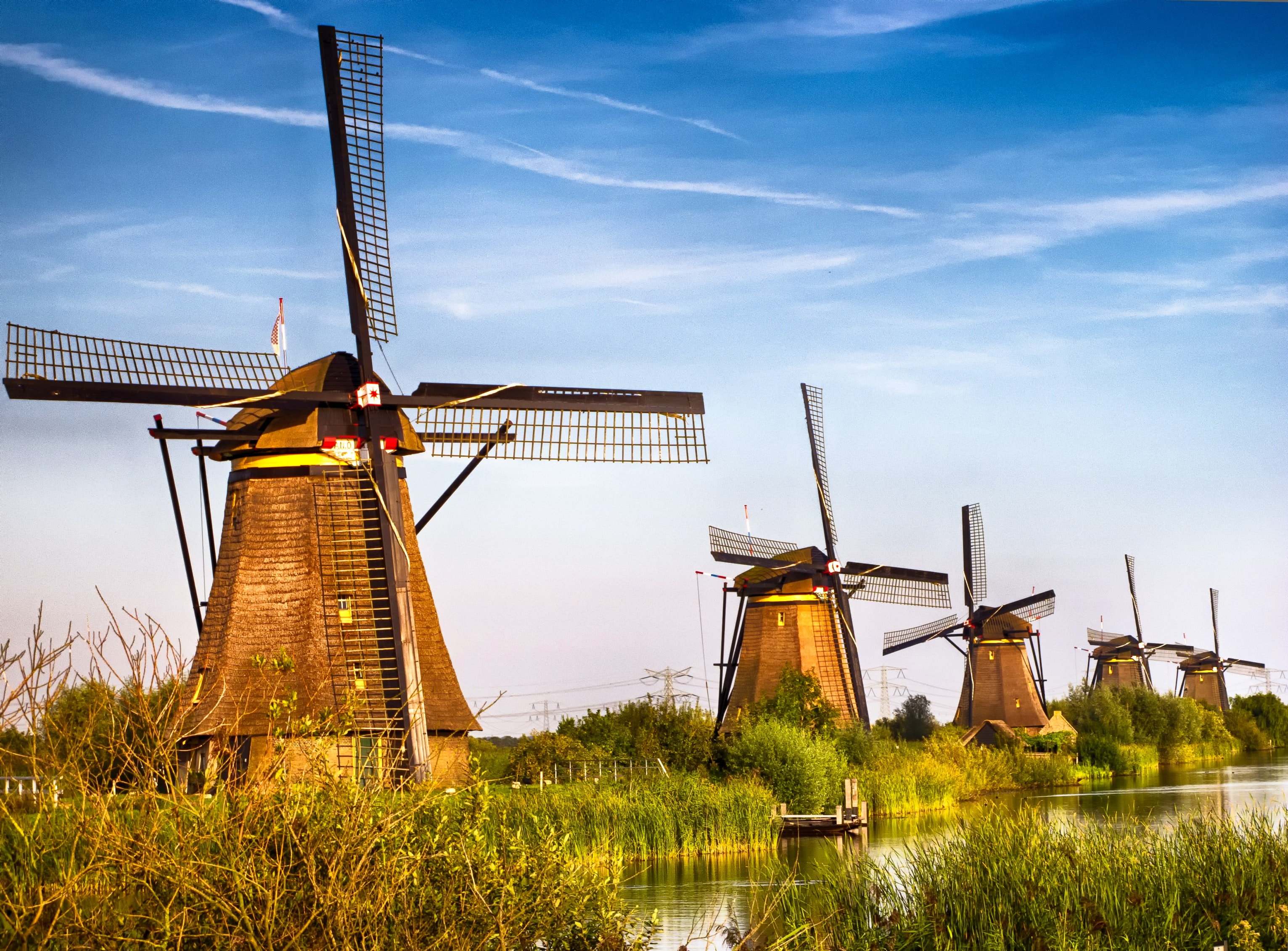 kinderdijk in south holland   lonely pla
