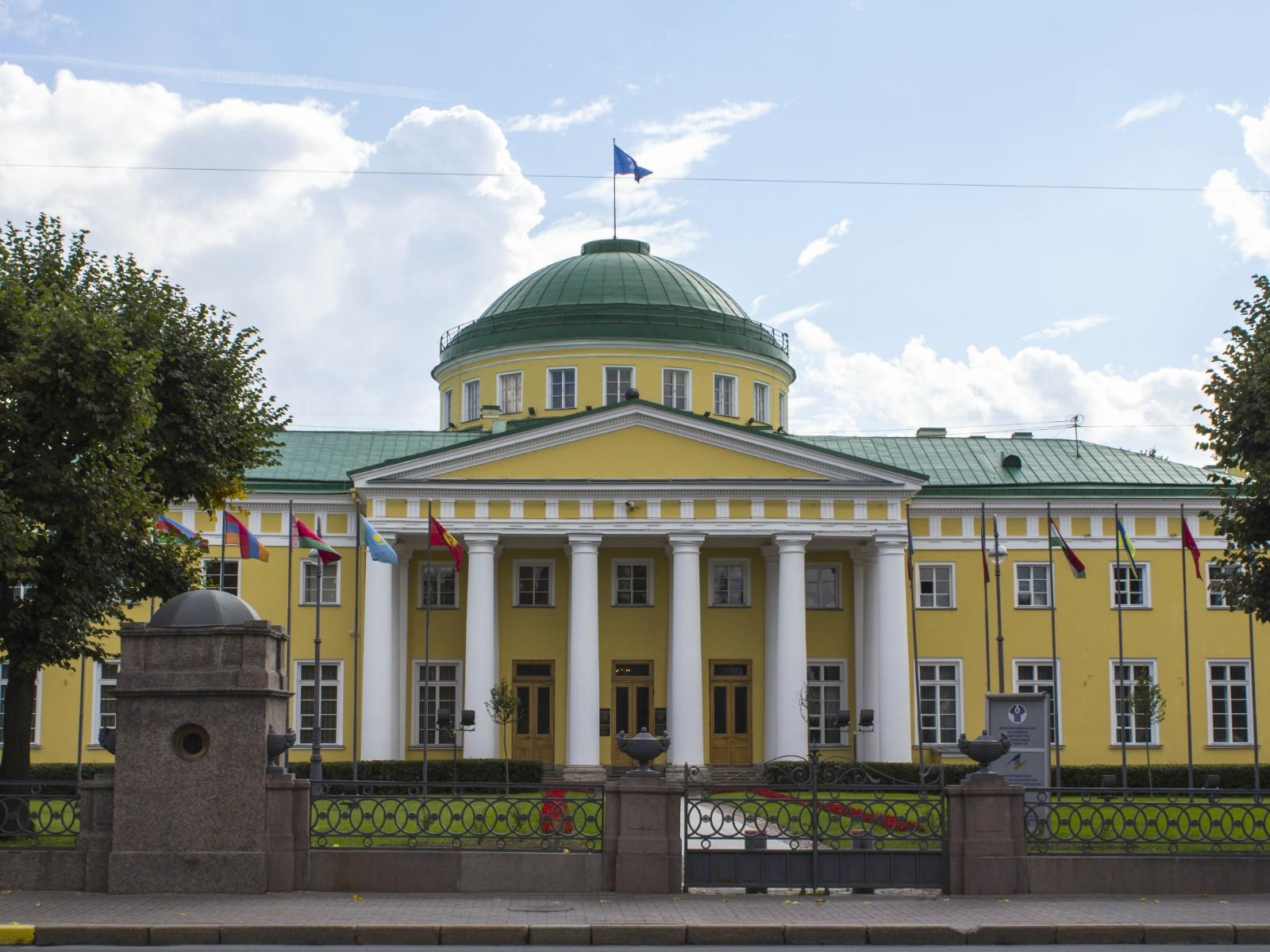 Orangery of the Tauride Garden in St. Petersburg 19