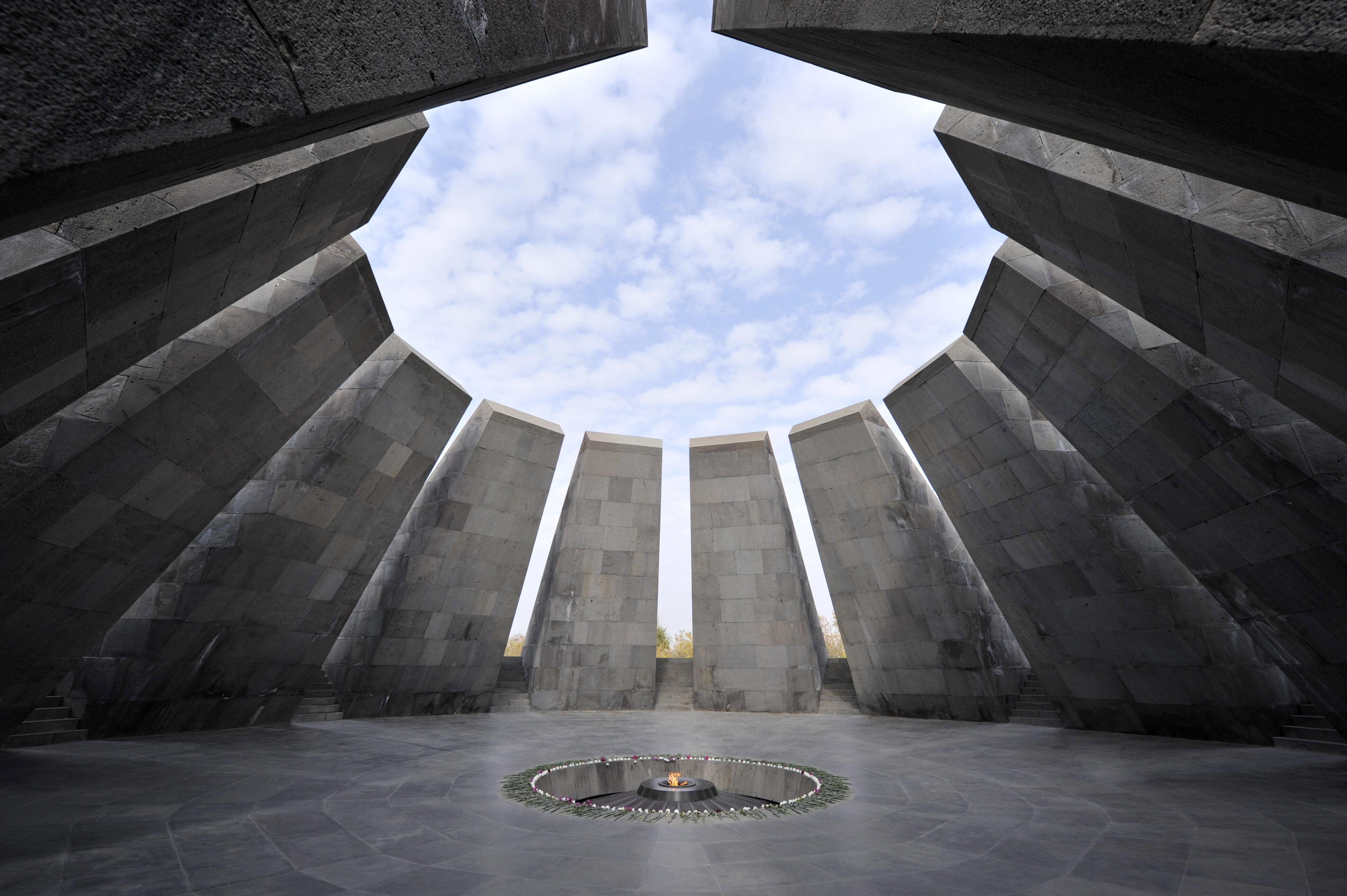 Members of U.S. Congress to visit Armenian Genocide memorial