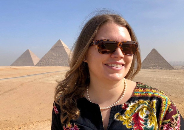 Lauren all smiles in front of the pyramids of Giza