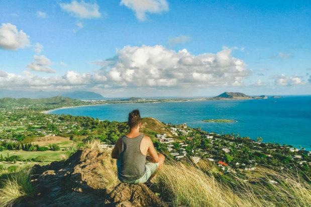 Ivan enjoys an Hawaiian vista © Ivan Valor