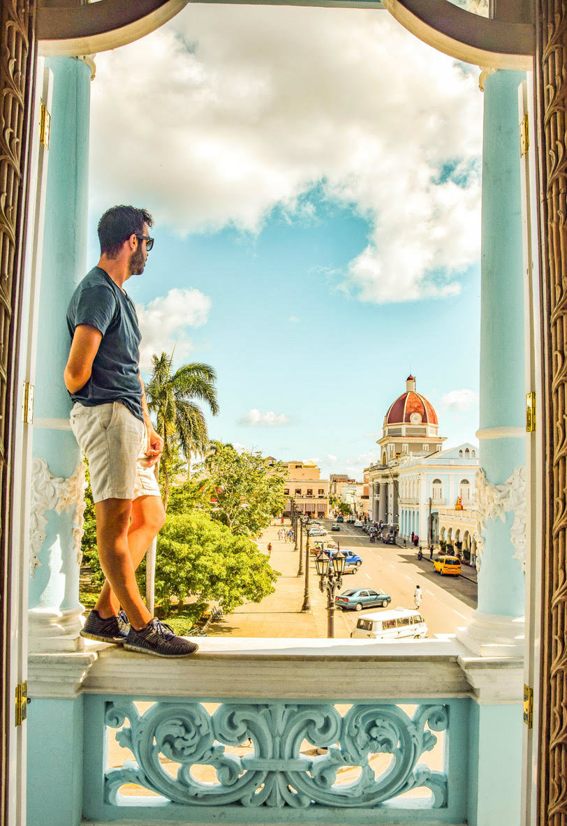 Ivan taking a risk for a photo in Cienfuegos, Cuba © Ivan Valor