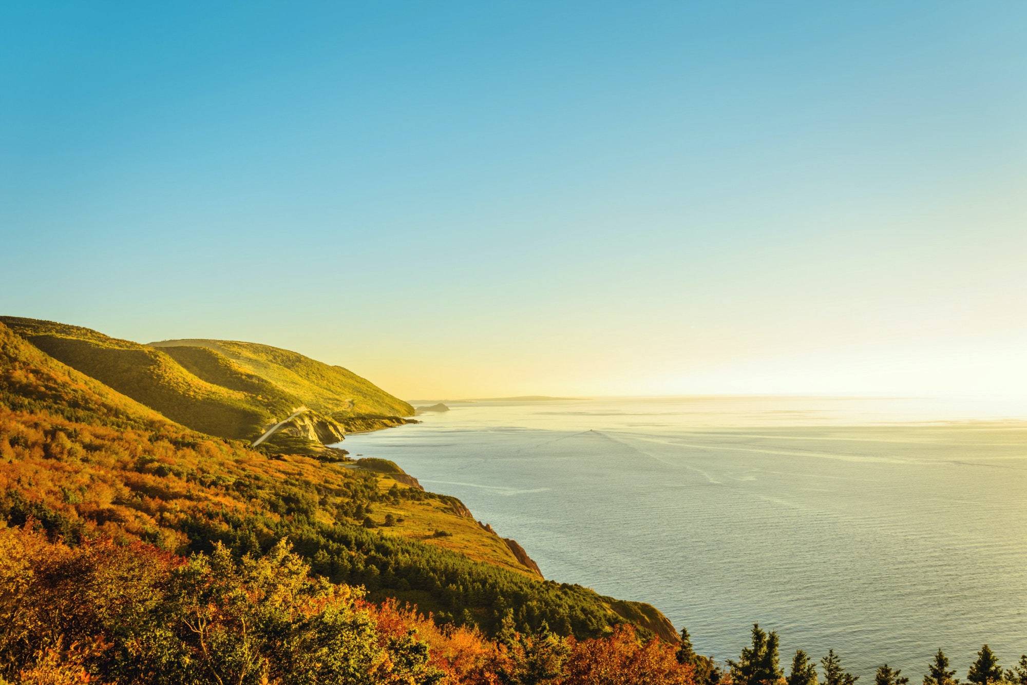 Video of the month: Cabot Trail in the fall (Cape Breton, Canada) © Vadim.Petrov / Shutterstock