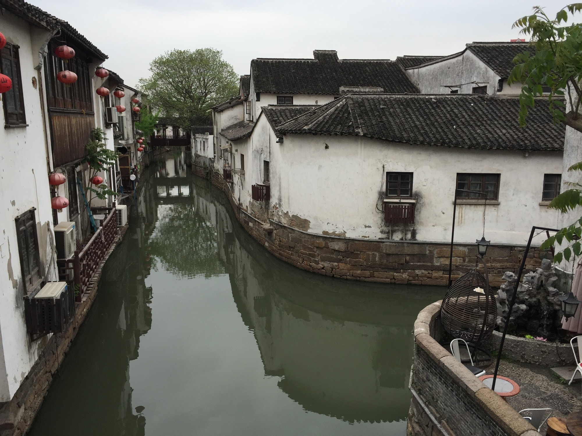 Examples of traditional Jiangnan-style architecture along Suzhou's canals © Megan Eaves