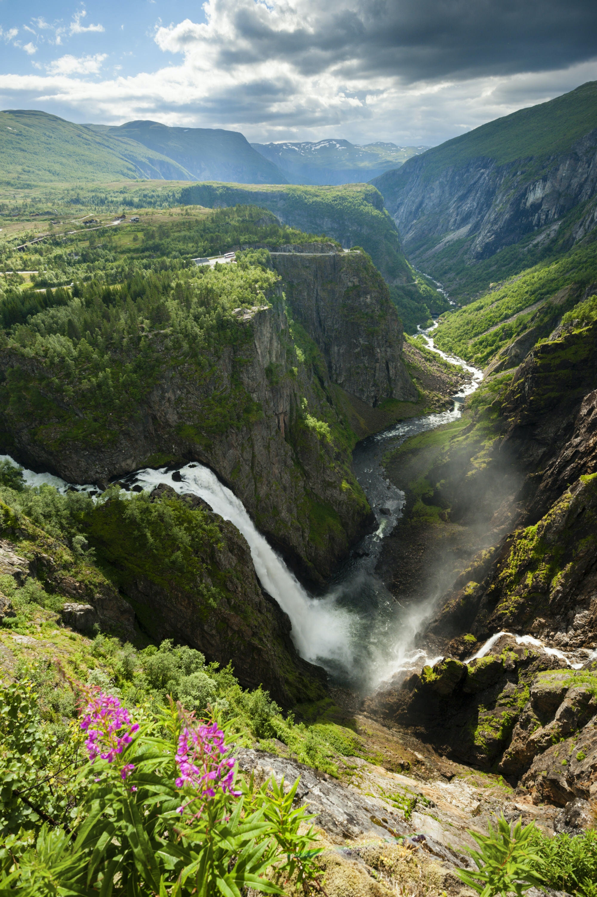 Overview of Voringsfossen waterfall near Eidfjord © Justin Foulkes / Lonely Planet