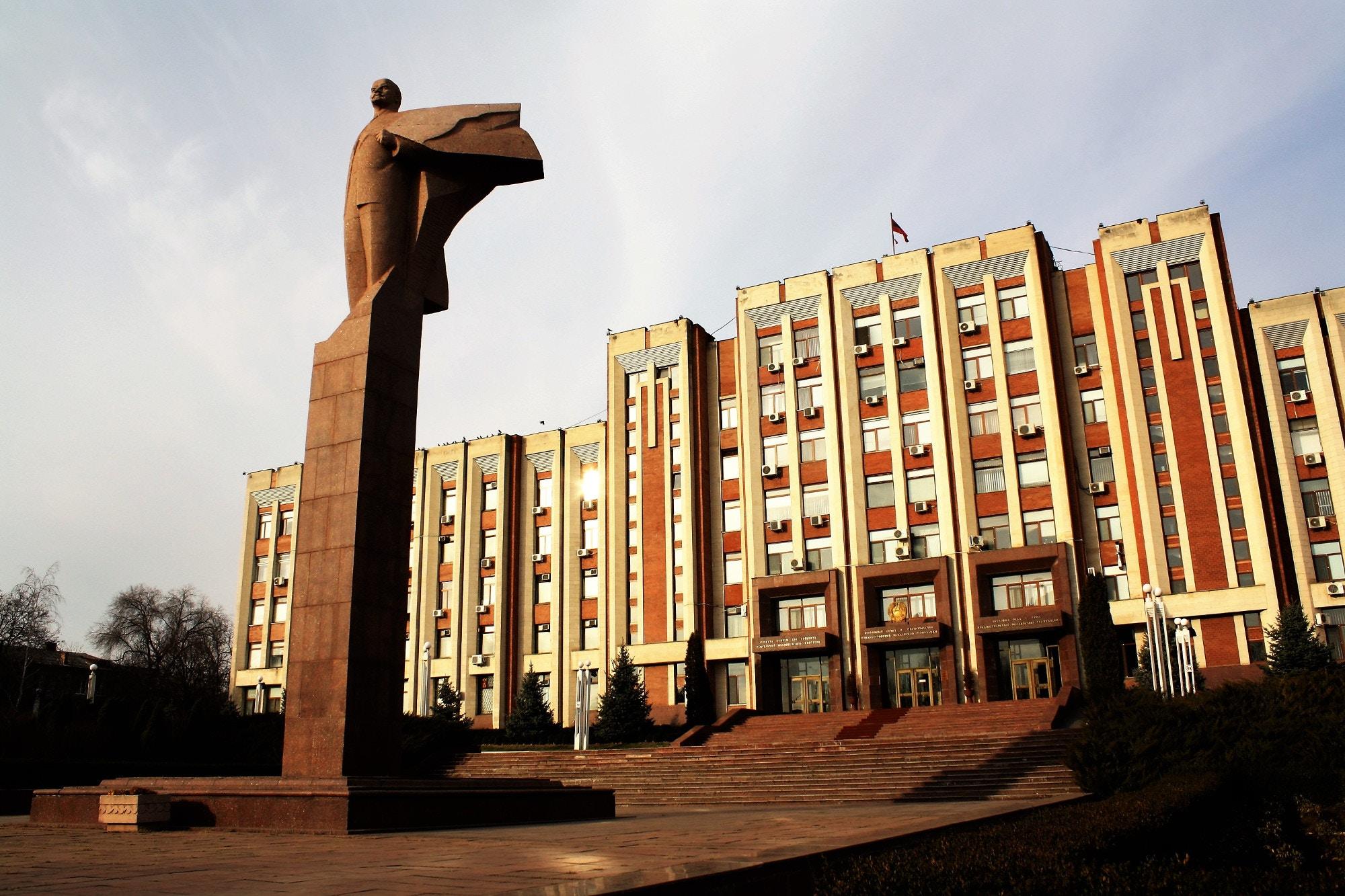 A Lenin statue in Tiraspol, Transdniestr © Richard Collett