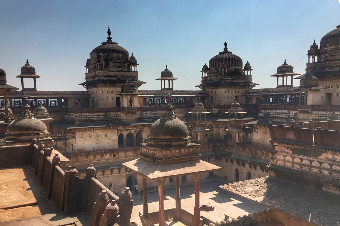 Fascinating ruins of temples and palaces at Orchha © Ashray Sachdeva
