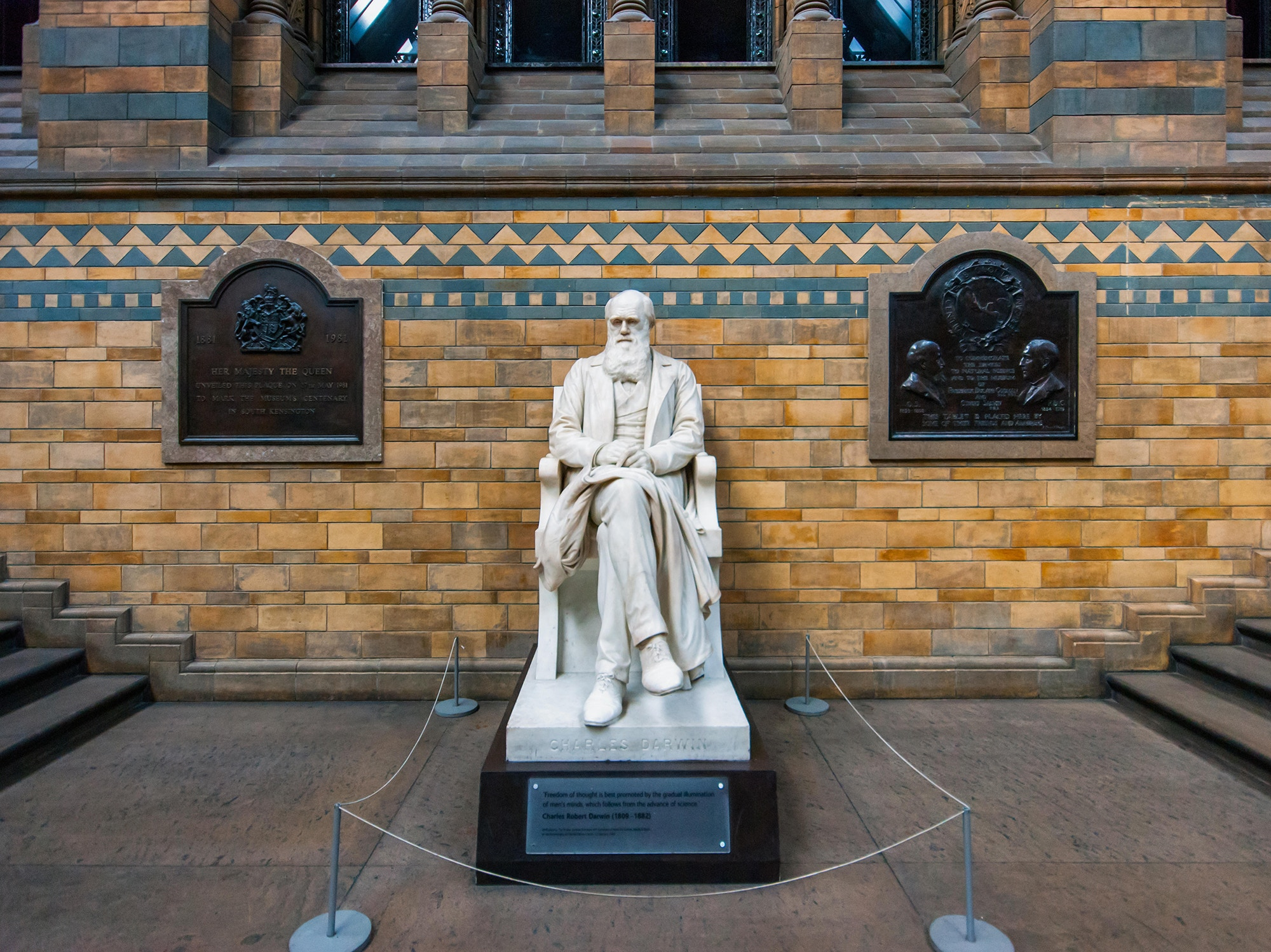 Marble statue Charles Darwin by Joseph Edgar Boehm in the Hintze Hall of the Natural History Museum in London