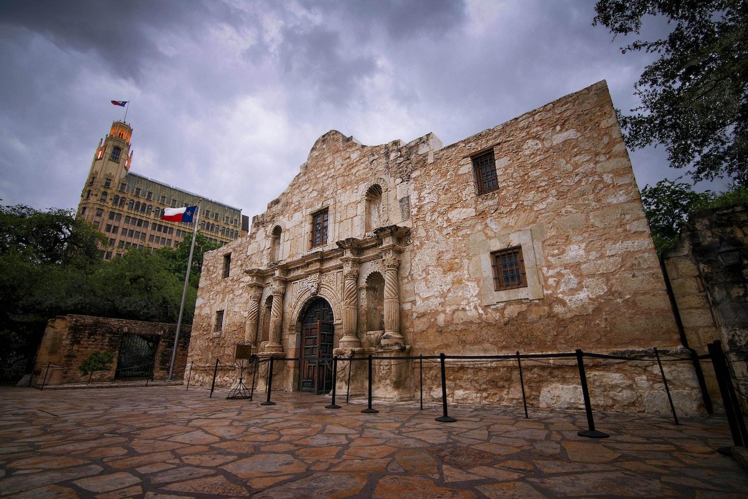 A view of the immortal Alamo, in downtown San Antonio, Texas © Adam Stocker / 500px