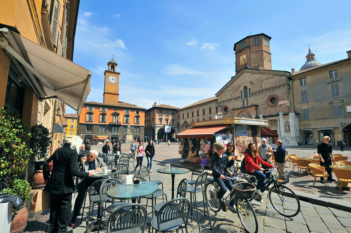 Reggio emilia travel lonely planet for Restaurant reggio emilia