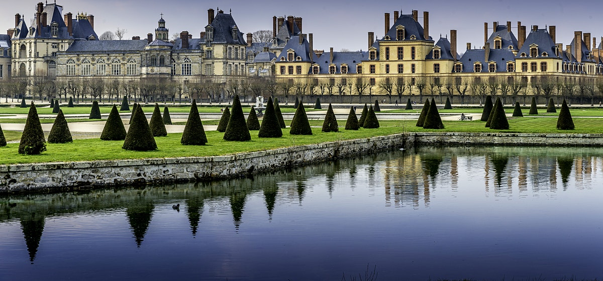 Fontainebleau travel lonely planet for Hotel fontainebleau france